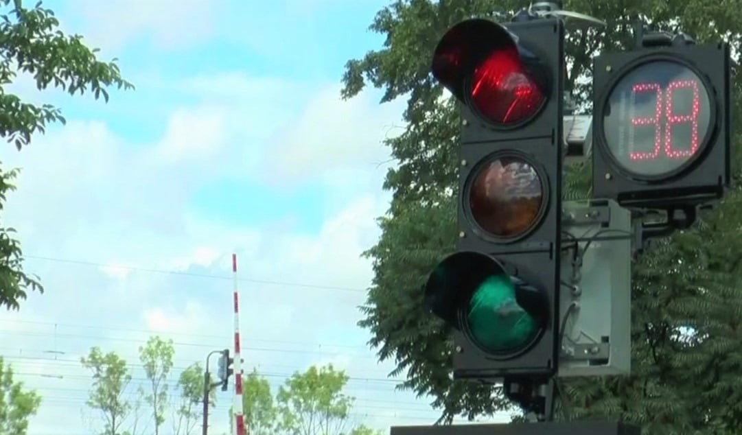 Traffic signal countdown timers lead to improved driver responses